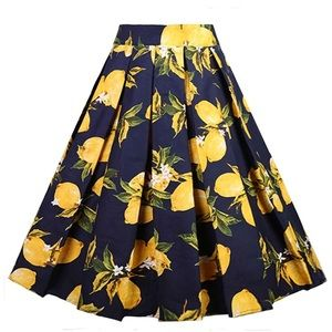 Dresses & Skirts - Lemon print skirt